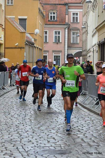 Walka na trasie Polmaratonu Walbrzych