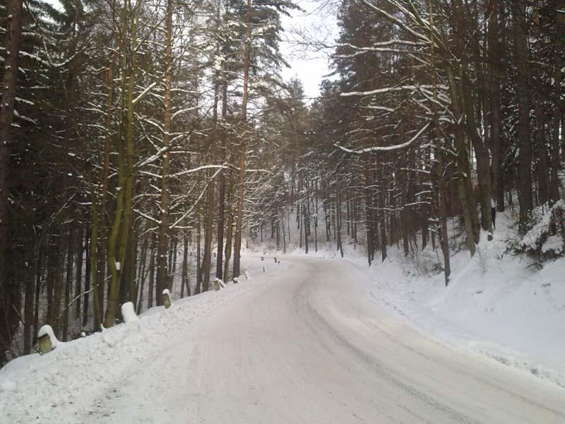 Zimowe asfalty w Górach Sowiech